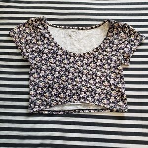 Nollie Tops - Floral Crop Top